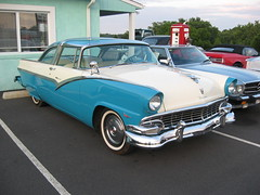 automobile, automotive exterior, 1955 ford, vehicle, mercury montclair, antique car, sedan, classic car, land vehicle, luxury vehicle, convertible,