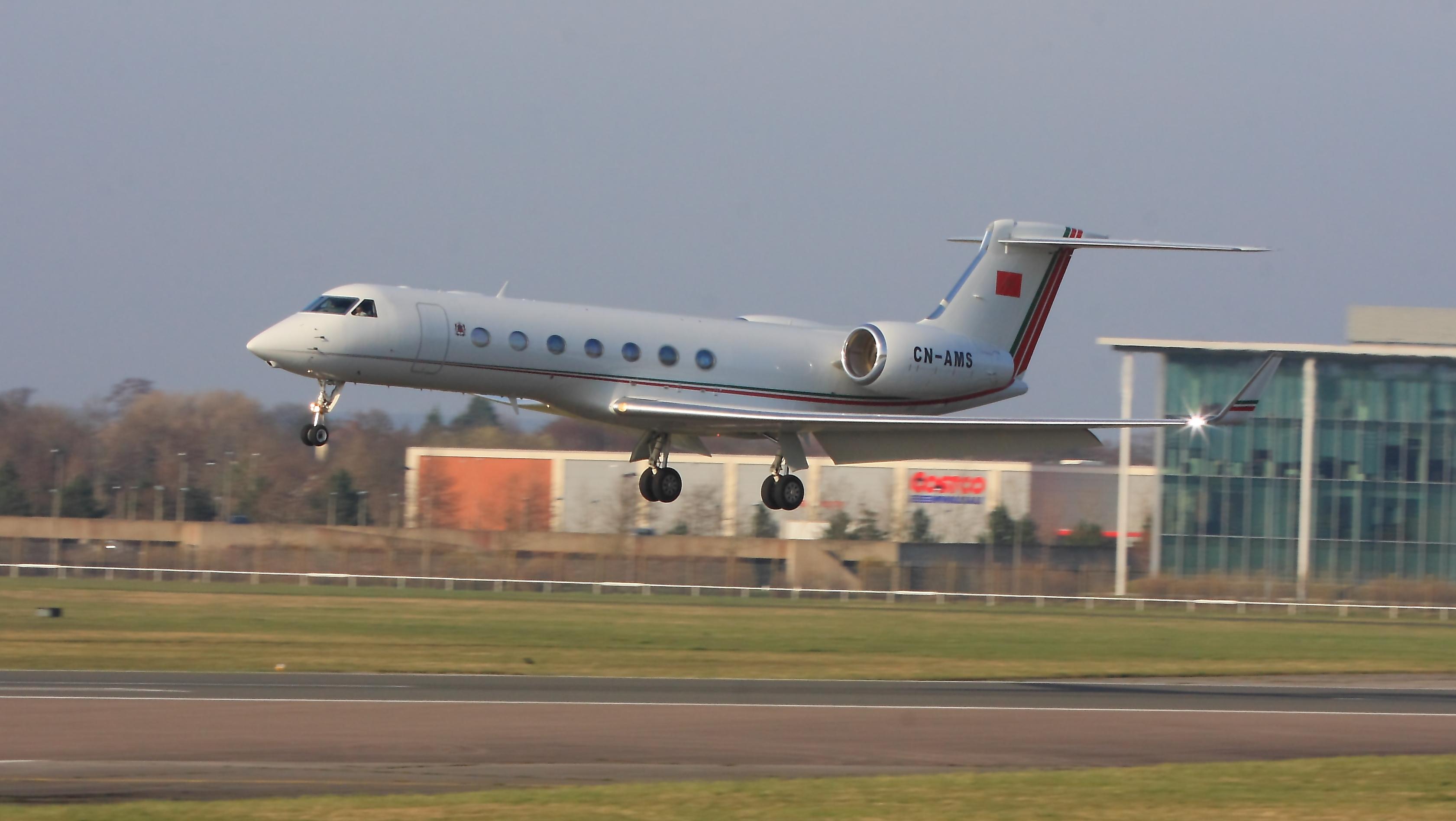 طائرات النقل العاملة بالقوات المسلحة المغربية 13017538843_3b187ea169_o