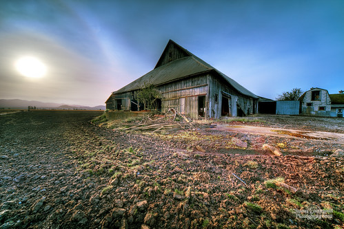 old barn geotagged washington hdr phototrip tulipfestival selective laconner 2212 janusz houseoftherisingsun leszczynski geo:lat=48405649 geo:lon=122443571
