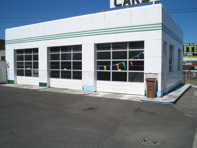 Texaco 3 bay garage flickr photo sharing for Three bay garage