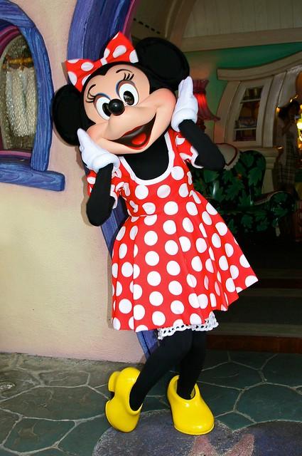 Disneyland Aug 2009 Meeting Minnie Mouse Flickr