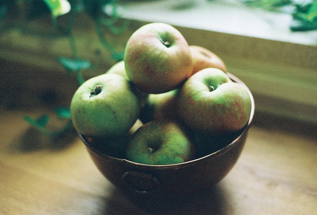 Bramley Apple And Almond Cake