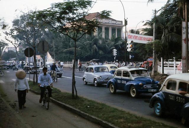 Saigon 1964 - Ngã tư Công lý - Yên Đổ