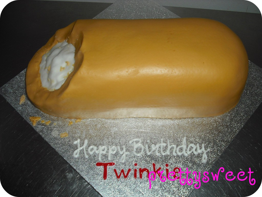 Stupendous Twinkie Cake This Cake Was Done For A Fun Group Of Friends Flickr Birthday Cards Printable Benkemecafe Filternl