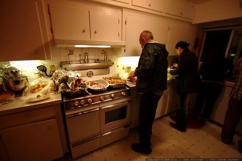 plating canadian thanksgiving dinner    MG 6132