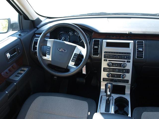 2010 Ford Flex 2