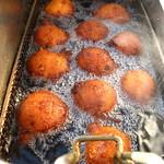 Ricotta oliebolletjes in de frituur