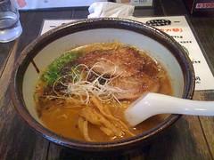 udon(0.0), soba(0.0), noodle(1.0), lamian(1.0), ramen(1.0), noodle soup(1.0), japanese cuisine(1.0), food(1.0), dish(1.0), laksa(1.0), soup(1.0), cuisine(1.0),