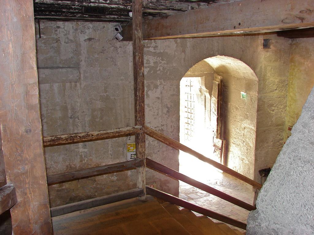 La premi\xe8re salle de la tour