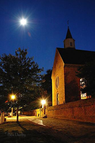 moon history night virginia d70s williamsburg colonialwilliamsburg livinghistorymuseum brutonparishchurch