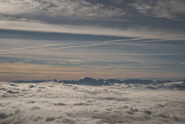 Par dessus la mer de nuages