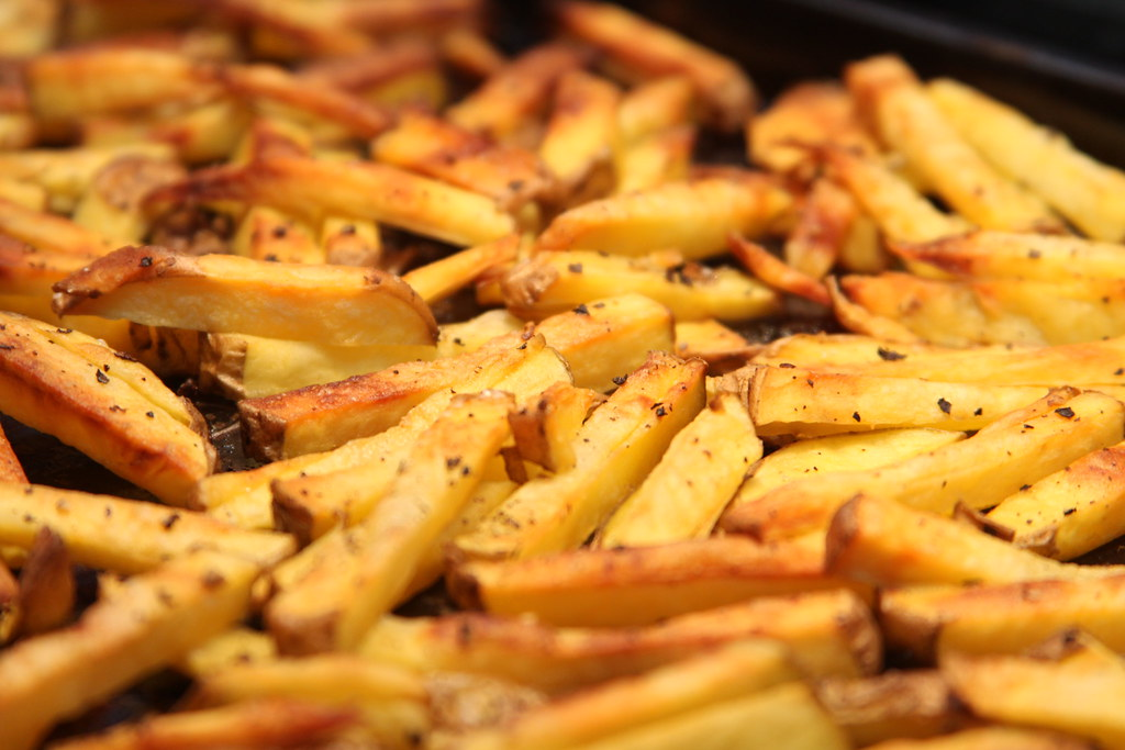 steak fries french fries, potatoes, salt added in processing, frozen, as purchased