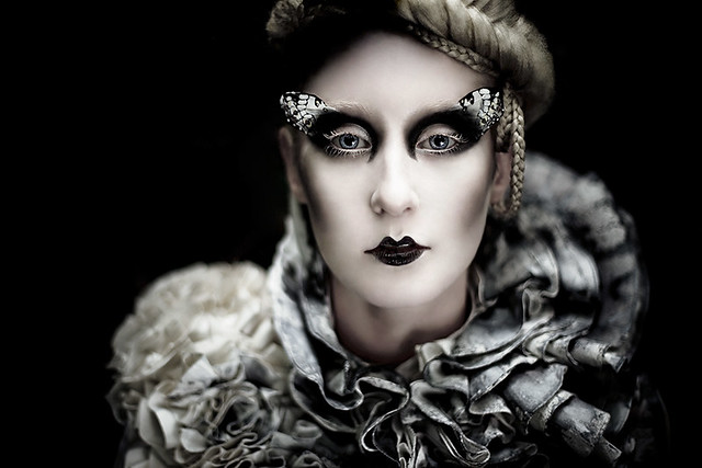 Kirsty Mitchell - Wonderland : The Chrysalis's Child