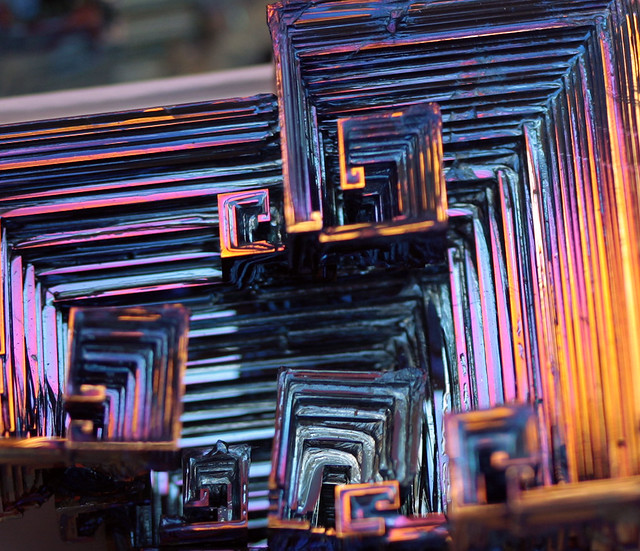 Bismuth Structural Rainbow
