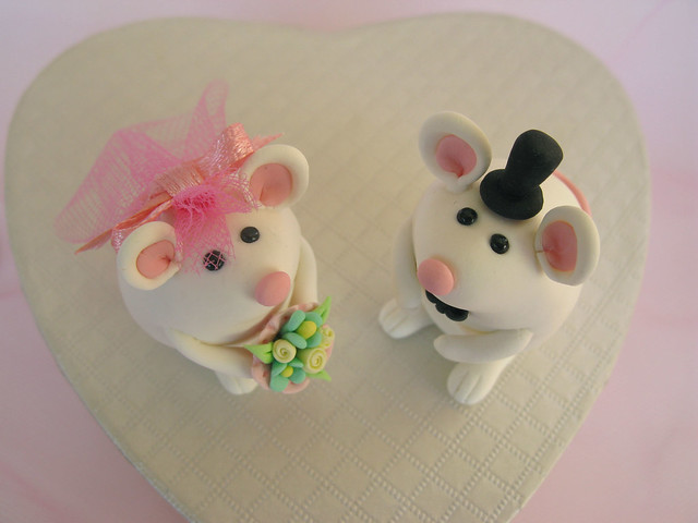 Original cute animals wedding cake toppers personalized colors