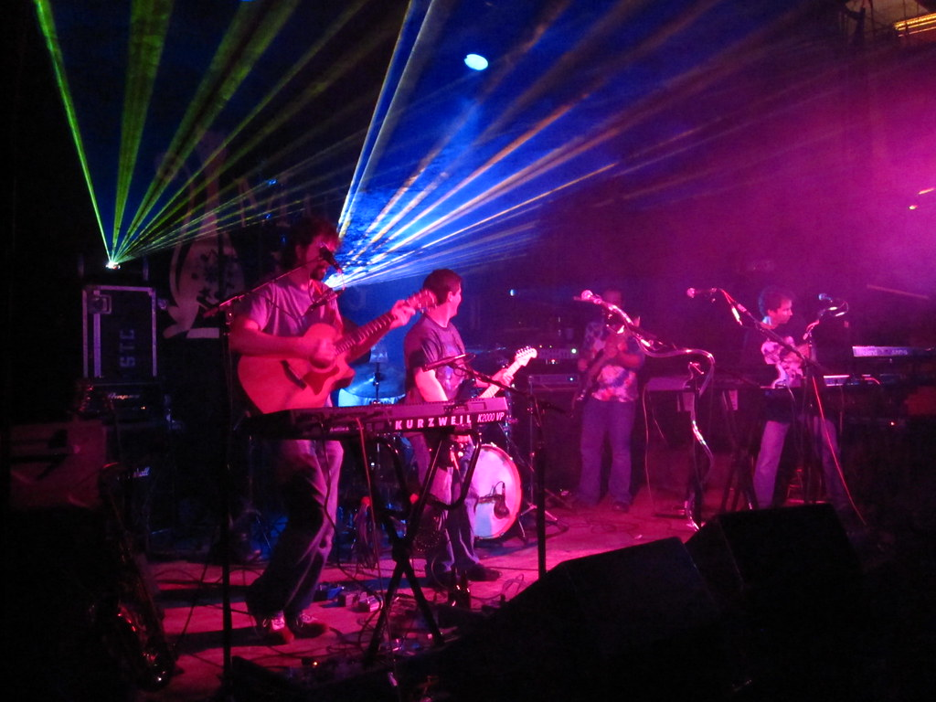 Echoes of Pink Floyd lasershow, plus band | EOPF at the Magi