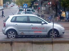 automobile(1.0), automotive exterior(1.0), supermini(1.0), vehicle(1.0), city car(1.0), compact car(1.0), volkswagen polo(1.0), land vehicle(1.0), hatchback(1.0),