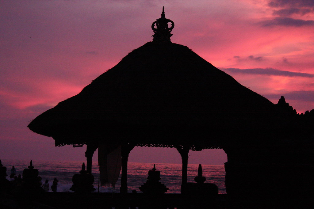 Sunset Tanah Lot.