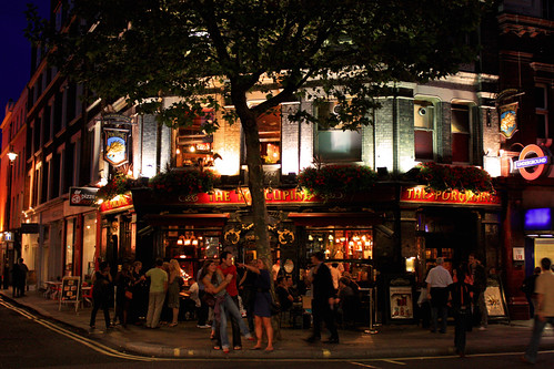 Pub London- Photo by brighten-ip