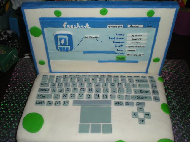 Laptop Facebook Cake Flickr - Photo Sharing!