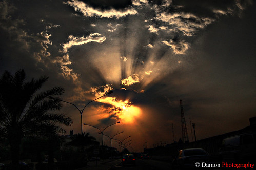 road morning sunset cloud sun set clouds sunrise geotagged evening nikon driving kuwait rise hdr q8 d40 supershot flickrsbest platinumphoto nikond40 geo:lat=2931166 geo:lon=47481766