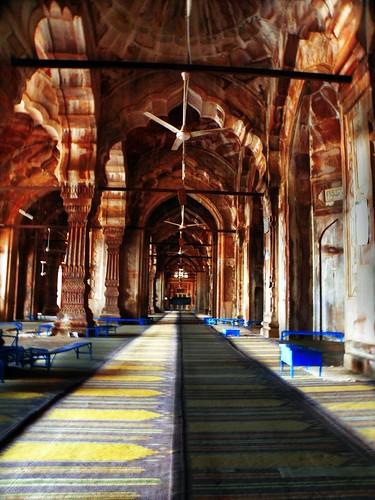 Islamic themes tajul masjid bhopal india interior for Interior wallpaper designs india