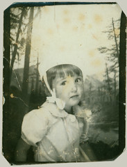 photo booth girl with hat