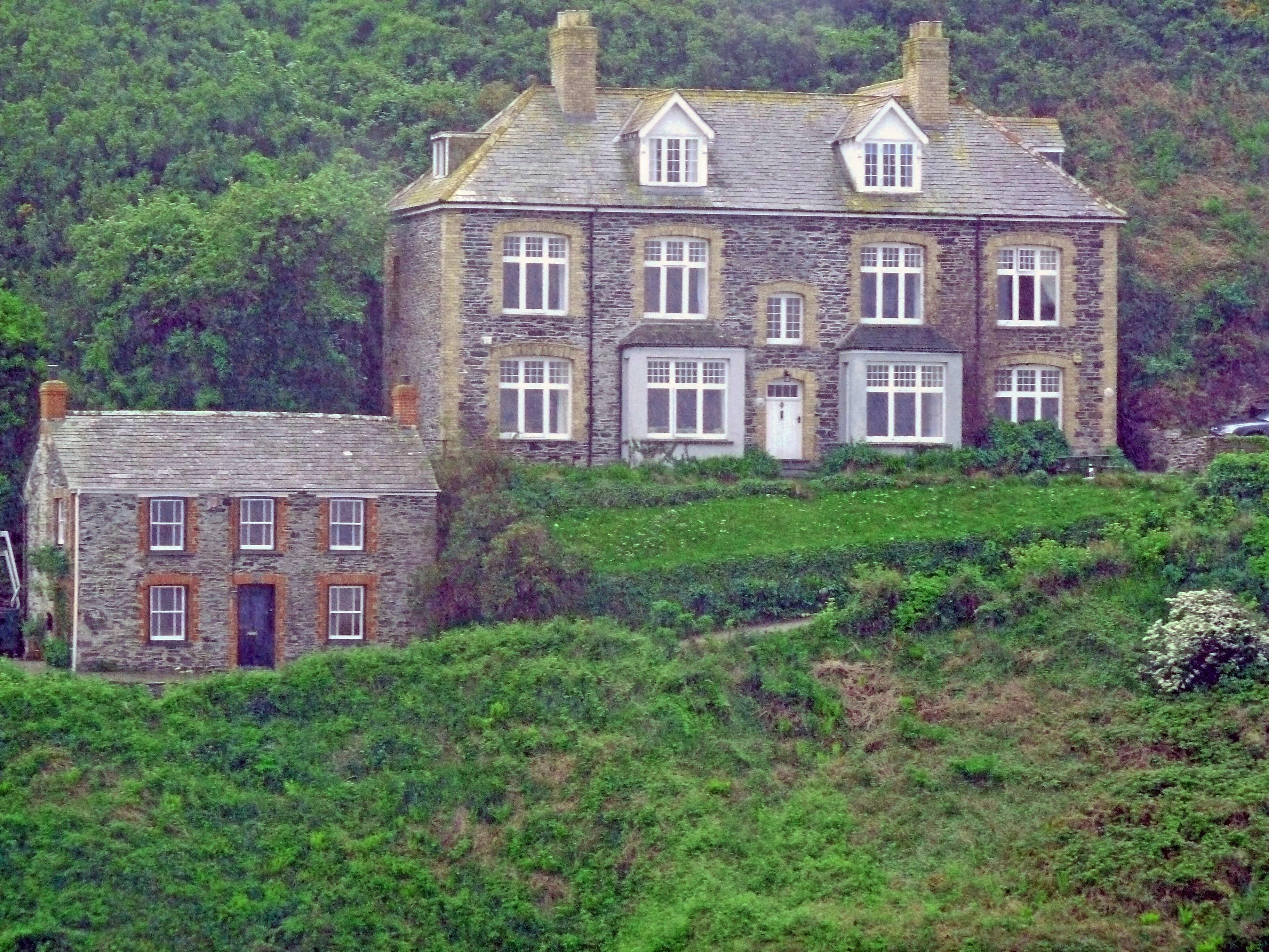 Doc Martin 39 S Cottage Roscarrock Hill Port Isaac Flickr