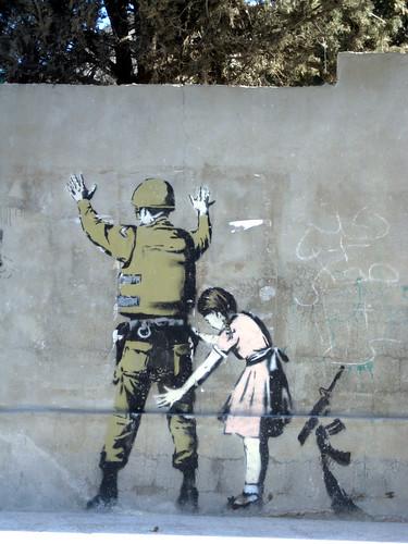 La petite fille et le soldat by Banksy- Bethléem