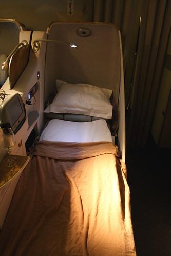 Emirates 777-200LR Business Class