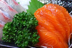 夜食にお刺身 / sashimi : I love salmon:D