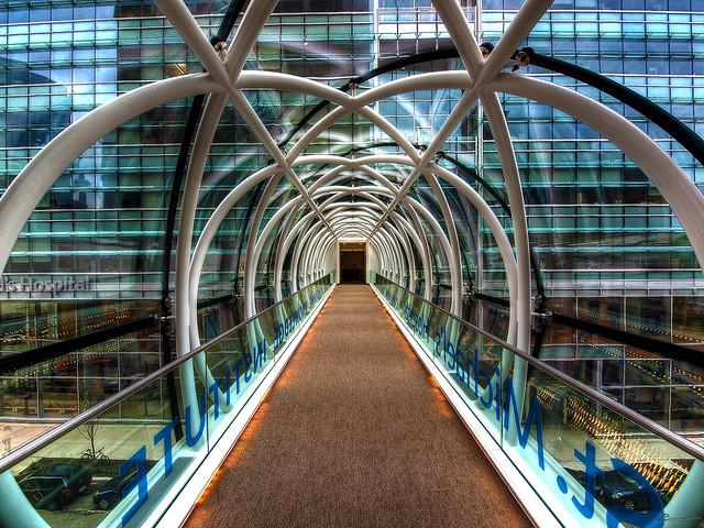 Puente del Hospital St. Michael, Toronto, Canadá.