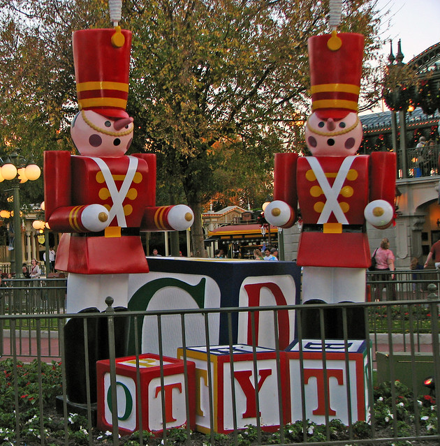 Christmas Decorations, Main Street