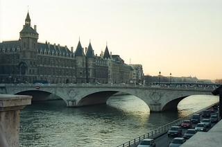 .11. //130g/1k/1097/21.f - Pont Neuf / La Conciergerie, Paris 1996