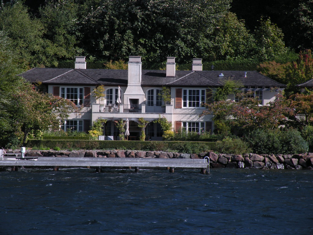 bill gates house lake washington