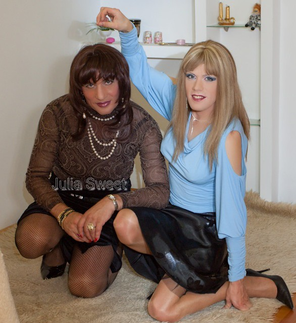 crossdresser chat room