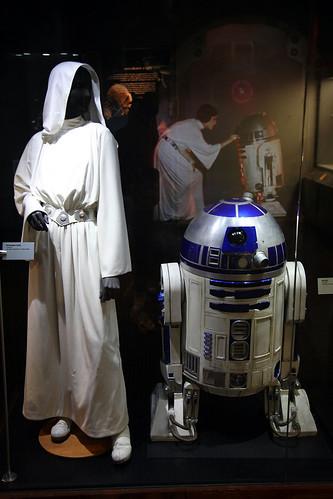 Leia and R2