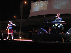 amanda palmer, covering 'billie jean' with pregnant cheerleader dancer ...