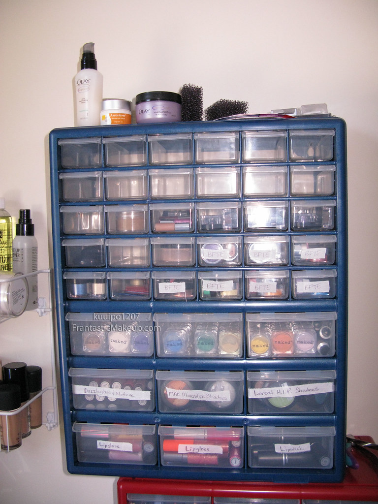 makeup storage frantastic makeup. Black Bedroom Furniture Sets. Home Design Ideas