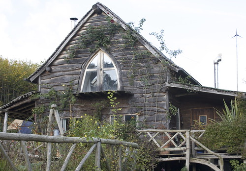 Topic it 39 s elfin 39 s tuesday architectural appreciation for Cruck frame house plans