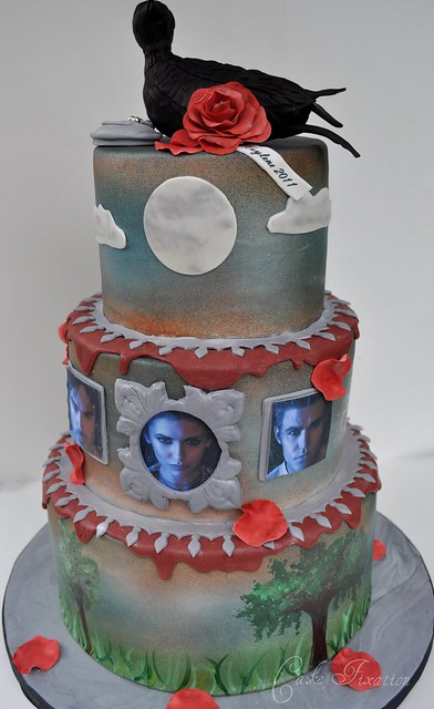 Торт дневники вампира фото