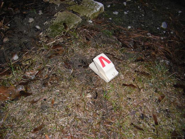 Vole trap 004 flickr photo sharing - Volle trap ...