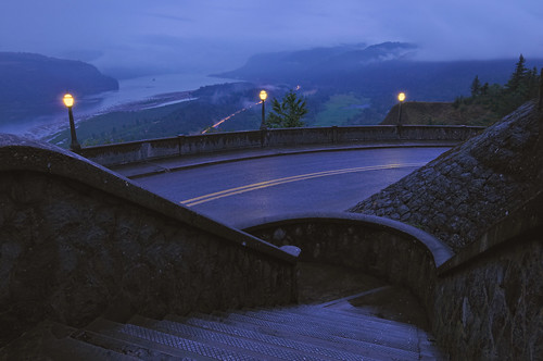 longexposure blue mist history nature lamp rain weather fog 30 night oregon stairs river portland landscape washington twilight nikon highway nightscape post northwest dusk columbia historic stairway rainy gorge lamps bluehour crownpoint pnw lightpost columbiagorge 2009 circular columbiarivergorge i84 d300 vistahouse historiccolumbiariverhighway catchycolorsblue fpg nothdr theunforgettablepictures flickrestrellas