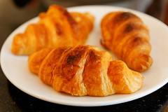 breakfast(0.0), curry puff(0.0), dessert(0.0), sausage roll(0.0), meal(1.0), baked goods(1.0), food(1.0), viennoiserie(1.0), dish(1.0), cuisine(1.0), danish pastry(1.0), croissant(1.0),