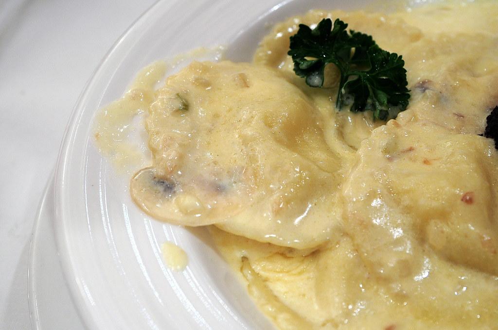 勞瑞斯牛排-義式松露龍蝦餃的蝦餃