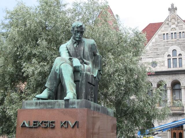 Aleksis Kivi, su estatua