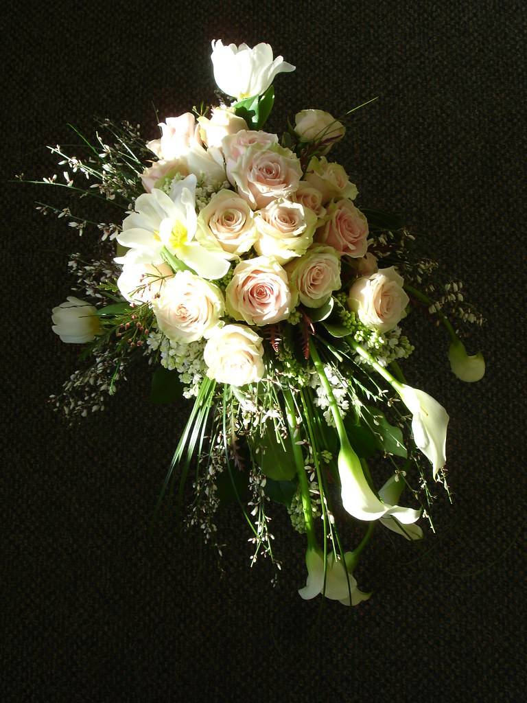 How To Make Bridal Bouquet Cascade : Cascade bridal bouquets