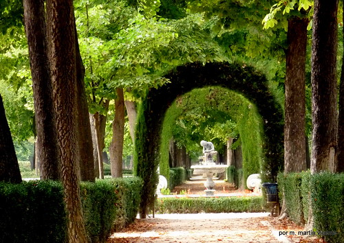 El tiempo por si mismo jardines de aranjuez el spinario for Jardines de madrid