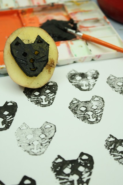 potato printing black cat