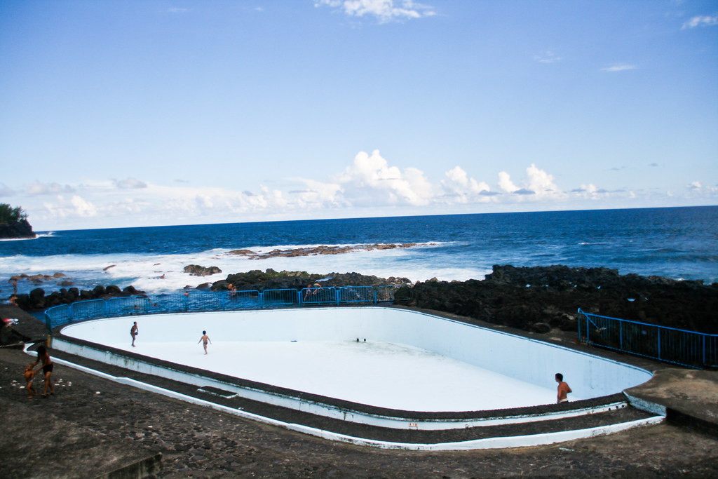 Piscine d 39 eau de mer st philippe flickr photo sharing - Construire piscine eau de mer ...